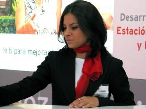Azafatas y azafatos de congresos eventos Feria de Zaragoza, Aragón